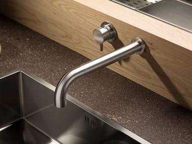 Rubinetto da cucina a muro con doccetta estraibile MUST 9696 | Miscelatore da cucina