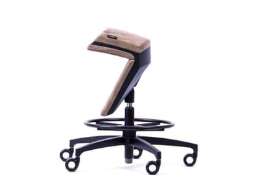 Height-adjustable ergonomic leather office stool with 5-Spoke base KINEMA® LEATHER BEIGE