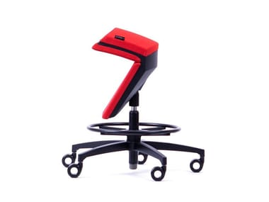 Height-adjustable ergonomic fabric office stool with 5-Spoke base KINEMA®  RED