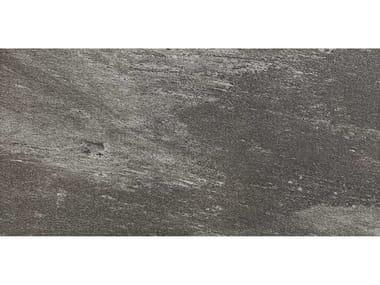 Pavimento per esterni in gres porcellanato effetto pietra MYSTONE BEOLA 20 | Antracite