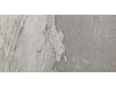 Pavimento per esterni in gres porcellanato effetto pietra MYSTONE BEOLA 20 | Greige