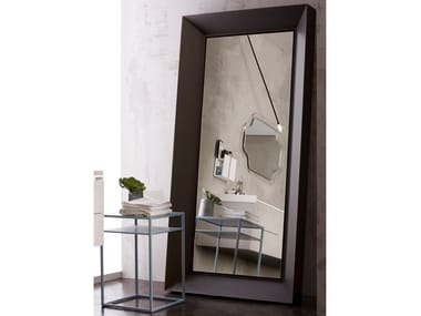 Framed metal mirror NARCISO
