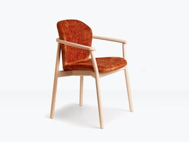 Upholstered fabric chair with armrests NATURAL FINN