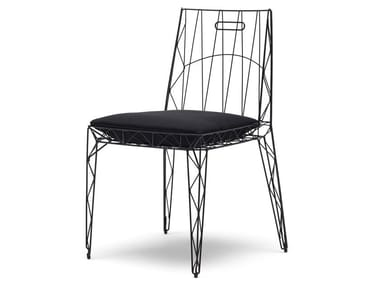 Stackable steel chair with integrated cushion NUA