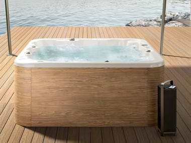 Square hot tub with chromotherapy 5-seats OASIS