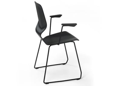 Sled base stackable chair with armrests OBLIKANT | Sled base chair
