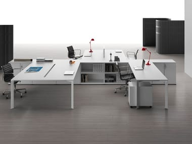 Multiple office workstation with shelves SHARD | Office workstation with shelves