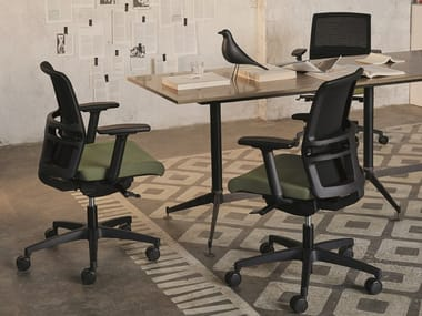 Executive chair with 5-spoke base with armrests OMNIA PLUS | Executive chair