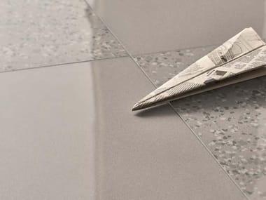 Pavimento/rivestimento in gres porcellanato per interni ed esterni PARADE AG
