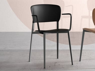 Stackable polypropylene chair with armrests PLY | Chair with armrests