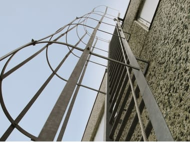 Fall arrest system VERTICAL | Fall arrest system for stairs