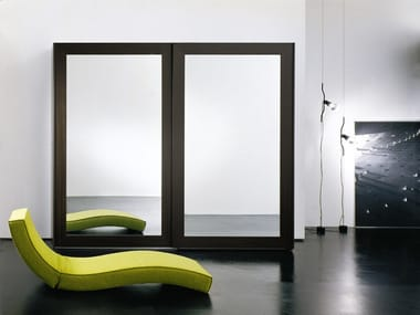 Mirrored wooden wardrobe with sliding doors PASSE-PARTOUT