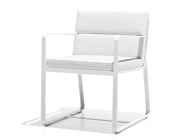 Sled base upholstered chair with armrests SIT | Chair with armrests