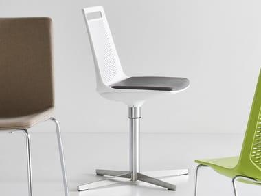 Swivel chair with 4-spoke base AKAMI L