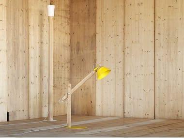 Lampada da terra in legno SLOPE | Lampada da terra