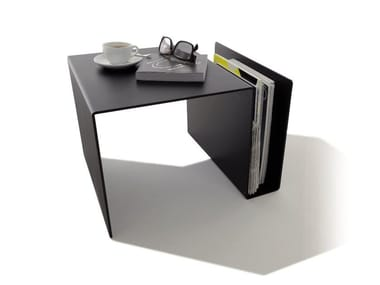 Coffee table with integrated magazine rack HUK