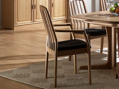 Wooden chair with armrests 1588A | Chair with armrests