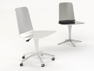 Chair with 5-spoke base with castors LUWAN | Chair with castors