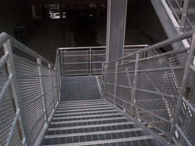 Step for fire escape staircases STANDARD GRATING STEPS