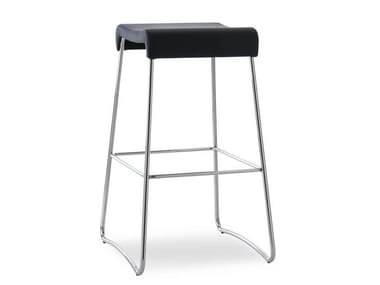 Sled base leather stool SGAB | Leather stool