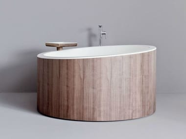 Round walnut bathtub DRESSAGE | Bathtub