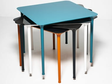 Stackable square die cast aluminium table SPINDLE | Square table
