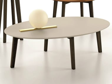 Lacquered oval coffee table ZOE | Oval coffee table