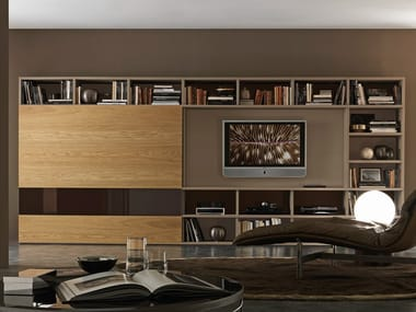 Sectional lacquered TV wall system Pari&Dispari - COMP 336