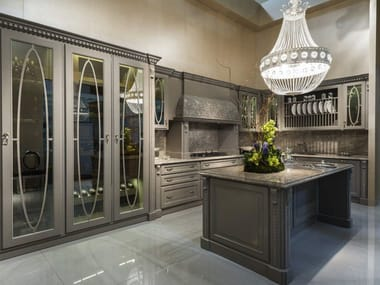 Classic style lacquered kitchen PRECIOUS | Kitchen with island