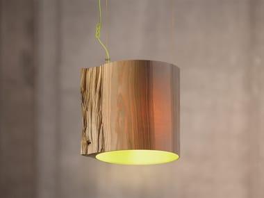 Lampada a sospensione fatta a mano in legno THE WISE ONE GREEN