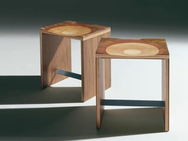 Hocker aus massivem Holz RIPPLES | Hocker