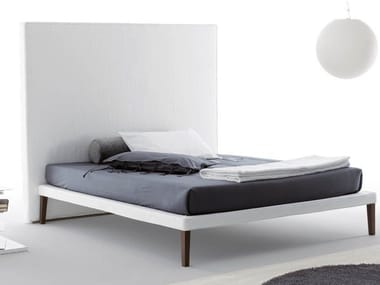 Double bed with high headboard EBRIDI | Bed with high headboard