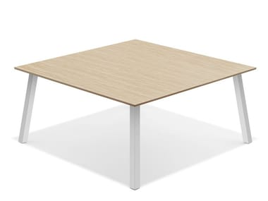 Quadratischer Besprechungstisch aus Holz WISHBONE IV | Quadratischer Besprechungstisch