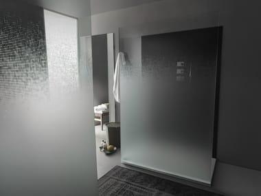 Decorated glass Walk in shower DECORFLOU® FADE