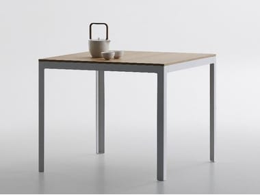 Square MDF high table TYPE | Square table