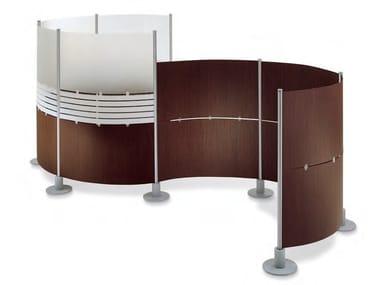 Painel divisor autoportante de madeira-PVC SLALOM | Painel divisor de madeira-PVC
