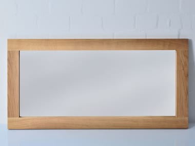 Freestanding rectangular framed mirror Mirror