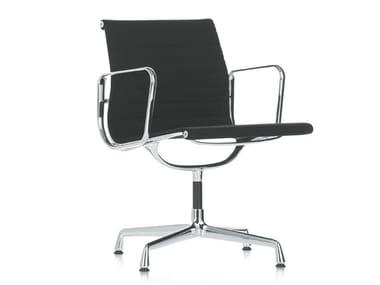 Cadeira de 4 raios com braços EA 107