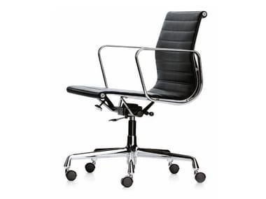 Cadeira operativa giratória com rodízios EA 117