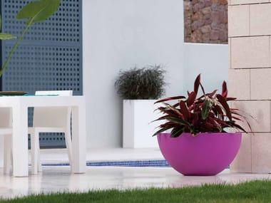 Polyethylene garden vase with Light SFERA