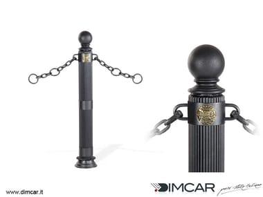 Fixed metal bollard post with chains Dissuasore Doria con anelli