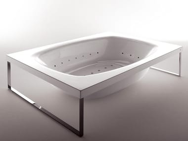 Methacrylate bathtub KAOS 2