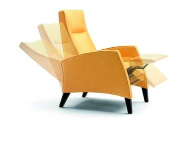Poltrona reclinabile con poggiapiedi TESSA By Wittmann design Martin ...