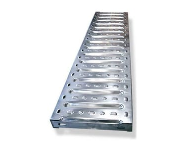 Stamped plate step for fire escape staircases SARA 2010 | Step