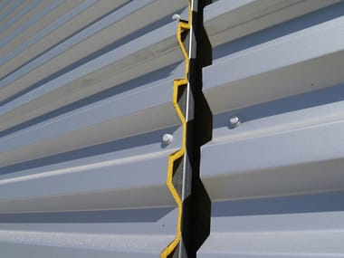 Pannello metallico coibentato per copertura TEK 28