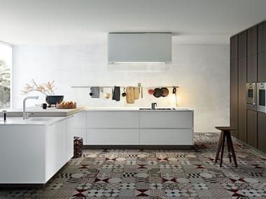 Lacquered wooden kitchen with island ARTEX By Varenna by Poliform ...