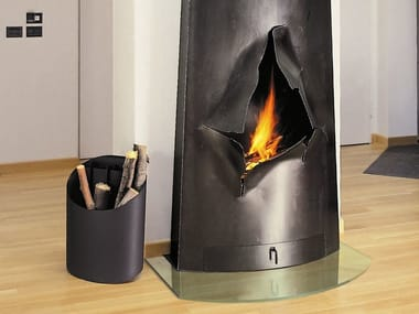 Wall-mounted open steel fireplace MAGNIFOCUS