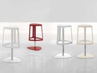 Height-adjustable swivel stool CLIP