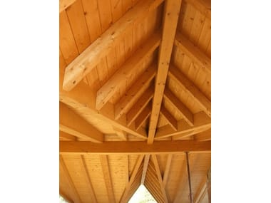 Estructura para cubierta y armadura de madera Timber roof structure and timber truss