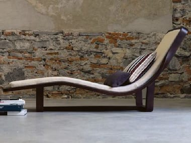 Wooden lounge chair BOOMERANG